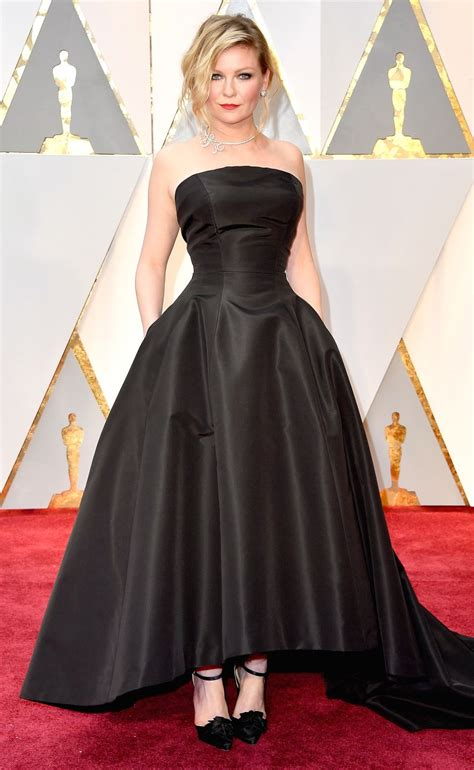 Worst Dressed Of The Day Kirsten Dunst Oscars Edition by Oscars 2017 Kirsten Dunst Rewears Favorite 2007