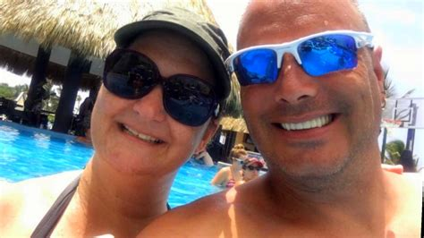widow wonders  husbands mysterious death  dominican republic  edition