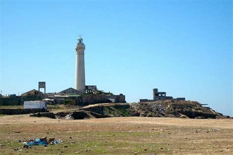 leuchtturm le le petit rocher bidonville barrio de chabolas frente al