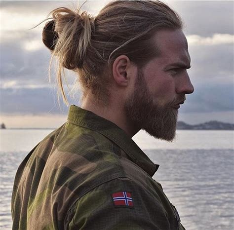 cool hairstyles for long hair mens 20 cool men with long hair mens hairstyles 2018