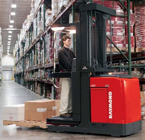raymond s new 5000 series orderpickers boost productivity reduce costs