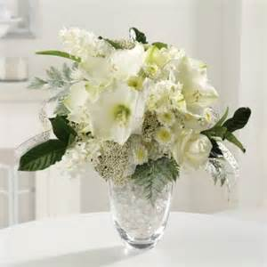 white flower centerpieces white centerpieces reception decorating