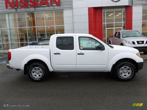 white nissan frontier avalanche white 2012 nissan frontier s crew cab 4x4