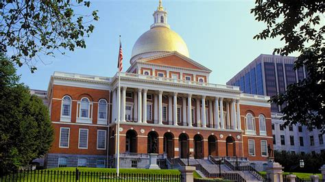 state house boston massachusetts state house in boston massachusetts expedia