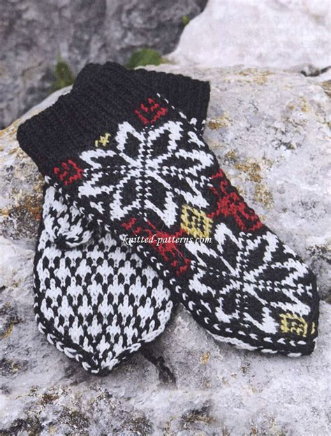 snowflake pattern knitted mittens snowflake mittens free knitting pattern