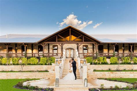 5 Rustic Tulsa Wedding Venues