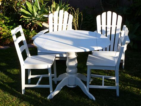white shabby chic table and chairs shabby to chic treasures white shabby chic table and chairs