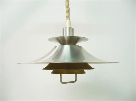 pull ceiling lights as one of the home fixtures