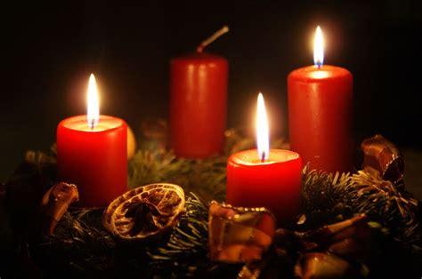 candela avvento cosa significa la corona di avvento ministrantiok