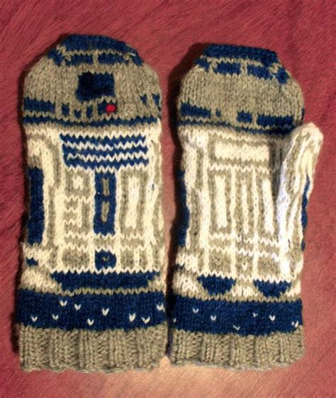 r2d2 hat knitting pattern r2d2 mittens you could spend some time knitting these bad