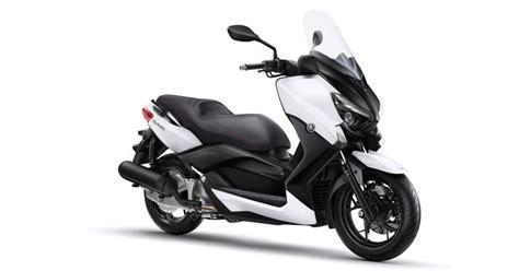 scooter pedana piatta yamaha xmax 250 il pi 249 capiente