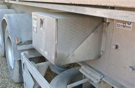 vasca menci semirimorchio vasca menci alluminio 32m cubi usata