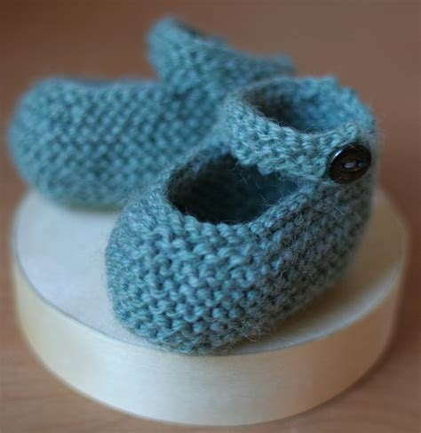 knitting booties for babies patterns free free knitting bootie pattern domesticspace
