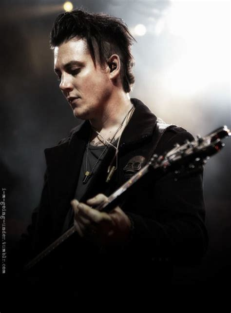 gallery for synyster gates hairstyle tutorial 485 best men face haircut images on pinterest hair cut
