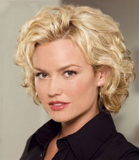5 hairstyles for women over 50 with square face short hairstyles for square faces over 50 haircuts women
