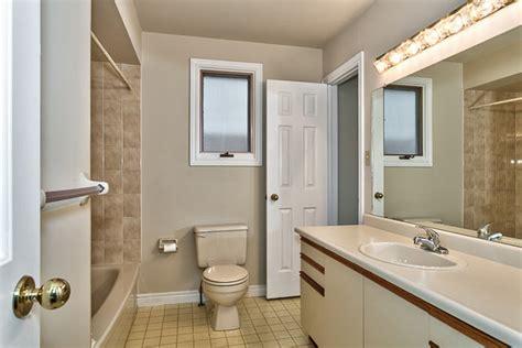burlington bathrooms sale 2133 salma crescent burlington two plus one bedroom