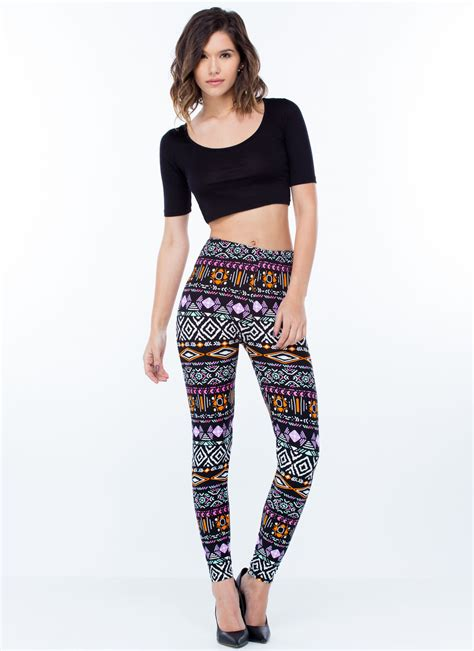 tribal pattern leggings outfit what to wear with black and white tribal print leggings