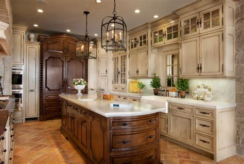 pictures of antiqued kitchen cabinets how to choose the right color for antique kitchen cabinets