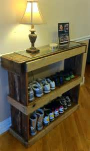 rustic shoe shelf or bookcase pallet furniture 101 pallets
