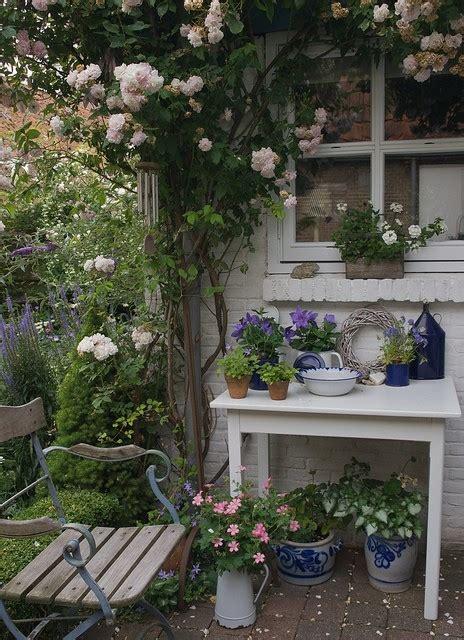 cottage garden sheds potted plants for all seasons r 246 kiga revben och mysiga uterum marie elisabeth