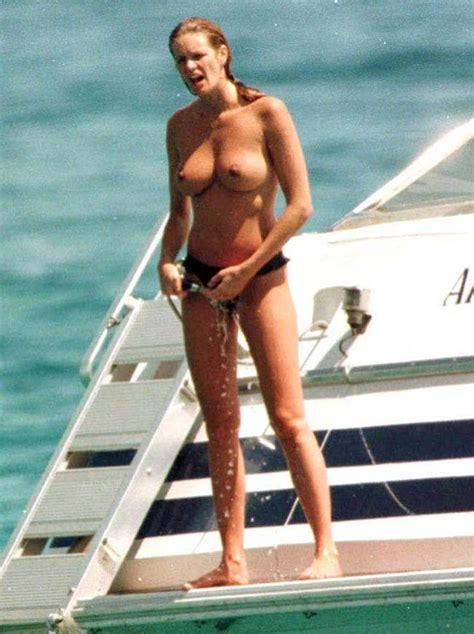 Hot Australian Actress Elle Macpherson Nude Photos