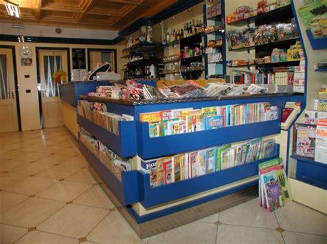 ceretti arredamenti ceretti il meglio dell arredamento per negozi a brescia