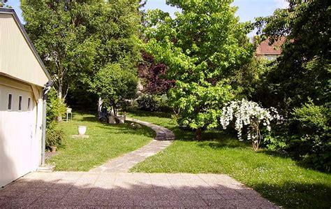 Merveilleux Creer Une Allee De Jardin #4: realiser-allee-jardin.jpg