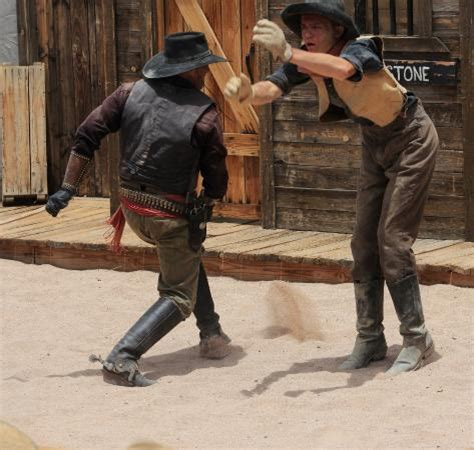 boologam fight scene theme foto de old tombstone western theme park tombstone fight