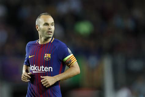 barcelona announce andres iniesta contract renewal