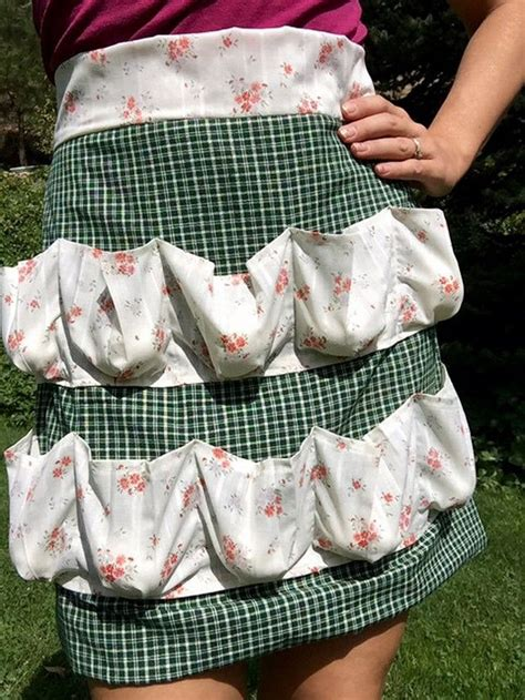 pattern egg gathering apron how to make a custom egg gathering apron craft projects