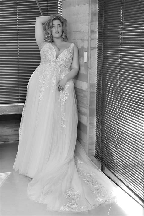 Curvy Babe-Plus size wedding gowns - Studio Levana - Couture Wedding Gowns