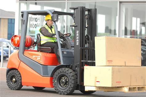 Forklift Truck Driver by Forklift Driver In Springs Arkansas Virginia Forklift Certification Forklift Safety