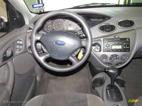 ford focus 2005 dashboard 2002 ford focus zts sedan medium graphite dashboard photo