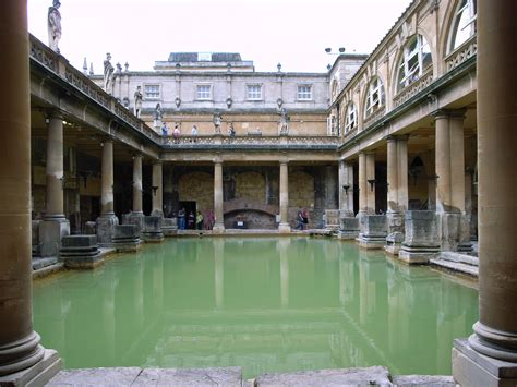 bathtubs uk file the great bath in bath uk jpg wikipedia
