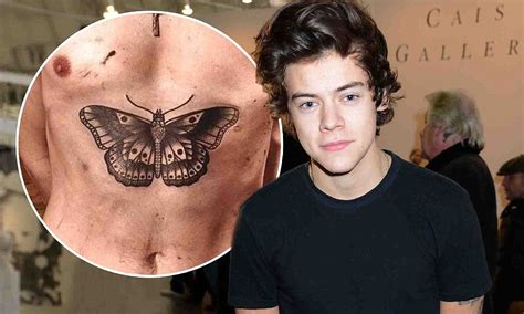harry styles tattoo daily mail harry styles gets another tattoo as he reveals huge