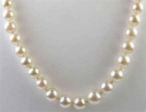 cultured pearl vintage mikimoto graduated cultured pearl necklace