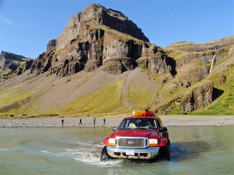 iceland  iceland travel  info guide rent  car