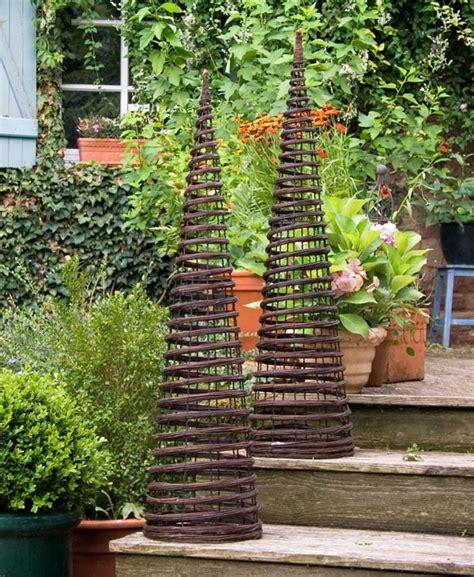 Obelisk Garten Rankhilfe by Rankhilfe Twist Obelisk Aus Weide The Garden Shop