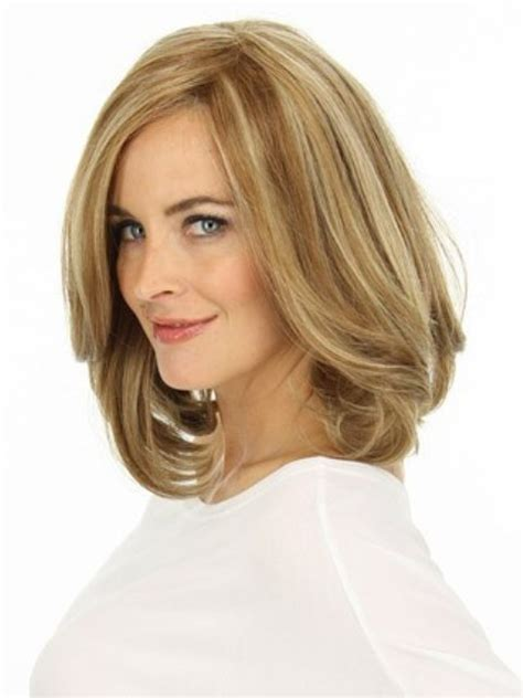 16 must try shoulder length hairstyles for faces circletrest