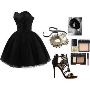 Fashion look from november 2014 featuring sweetheart neckline dress