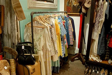how to shop vintage clothing key pieces to buy vintage