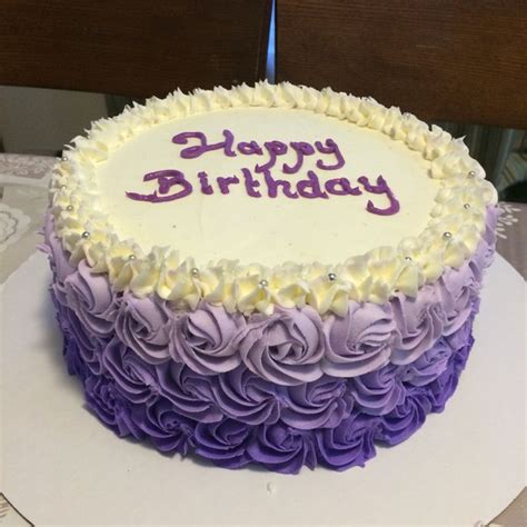 Easy Ways To Decorate A Cake At Home by Best 25 Wilton Cake Decorating Ideas On Pinterest
