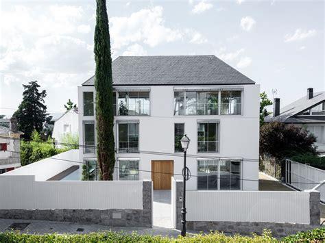 Wohnen In Madrid by Casa Miasierra In Madrid Geb 228 Udetechnik Wohnen