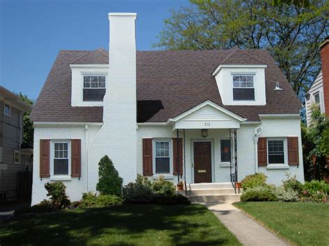 painted houses painting brick house exterior sherwin williams shell white painted brick house white painted