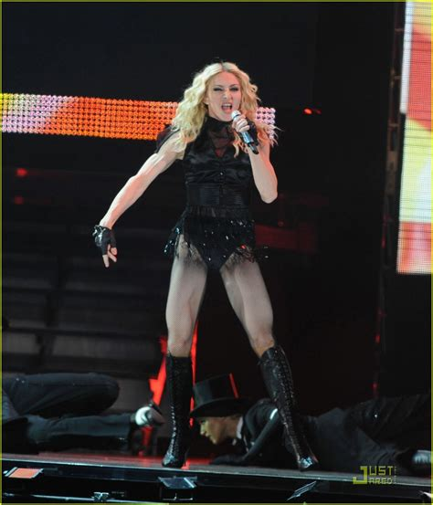 Madona Big Size madonna brings out the big guns photo 1416151 madonna