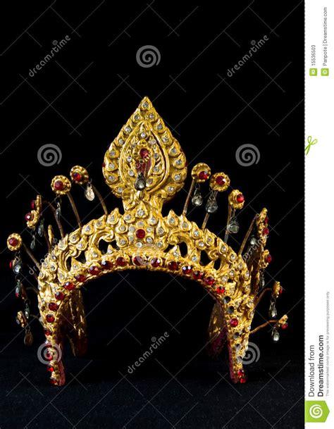 imagenes coronas egipcias corona antigua tailandesa imagen de archivo imagen de