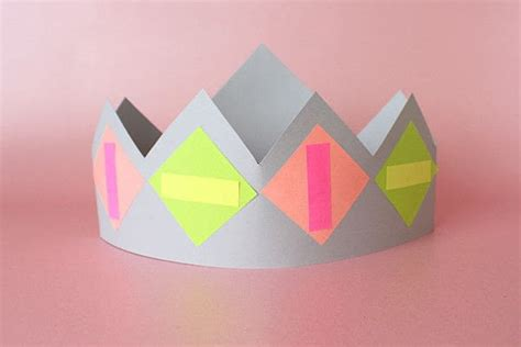 How To Make A Crown Out Of Paper For - paper crown activity 183 how to make a tiara crown