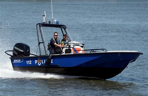 pictures of police boats speed boat police 183 free photo on pixabay