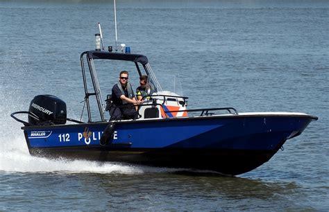 speed boat on water speedboot politie boot 183 gratis foto op pixabay
