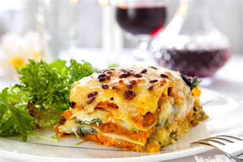 spinach lasagna with cottage cheese spinach basil cottage cheese lasagna recipe by archana s